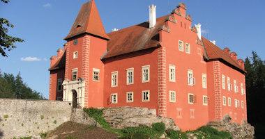 Červená Lhota – renesanční vodní zámek