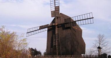 Klobouky u Brna – větrný mlýn německého typu