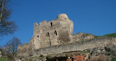 Michalovice – zřícenina gotického hradu