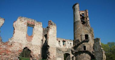 Zvířetice – zřícenina renesančního zámku
