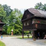 <b>Rožnov pod Radhoštěm - Dřevěné městečko</b>