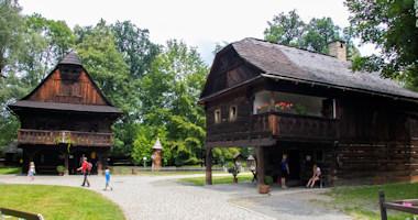 Rožnov pod Radhoštěm – Dřevěné městečko